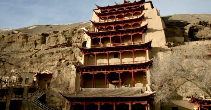 Kiệt Tác Kiến Trúc Hang Đôn Hoàng và Truyền Thuyết Con Đường Tu Luyện Phật Pháp