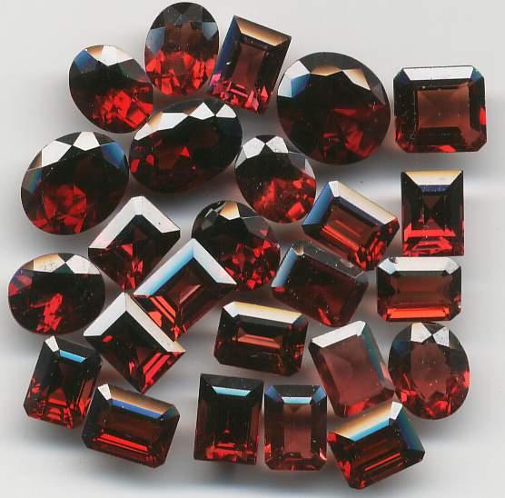 Đá Garnet - Ngọc Hồng Lựu Tự Nhiên