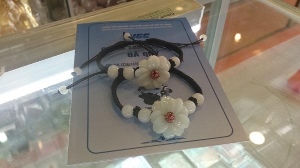 Vòng Tay Hoa Mẫu Đơn Ngọc Phỉ Thúy VMD-320