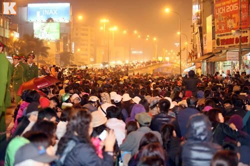 Tại sao cả triệu người đổ về chùa Phúc Khánh - Hà Nội lễ Phật?